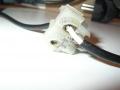 Kostka łącząca kabel zasilania w laptopie